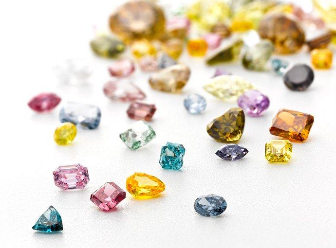 fancy-color-diamonds_2281.9dfcd.jpg