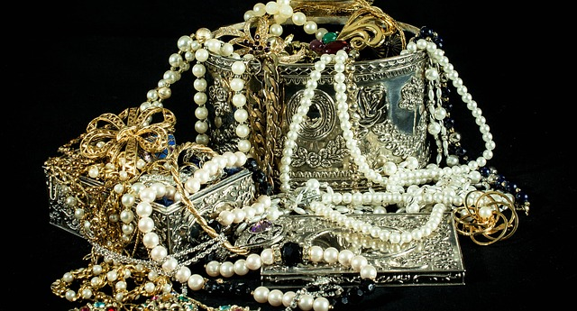 The antique jewelry appraisal guide agi newyork blog for How do you get jewelry appraised